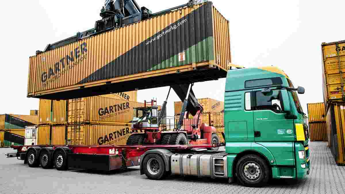 Beladung Containertransport